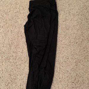 Black 90 degree leggings.